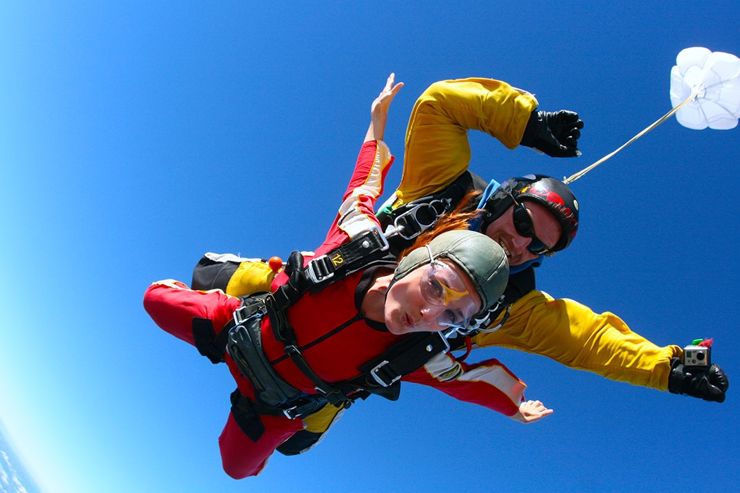 Skydiving in Lake Taupo New Zealand - Taupo Tandem Skydiving
