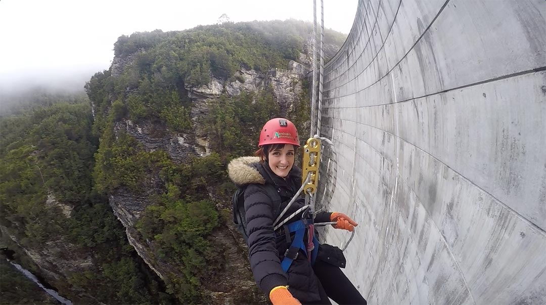 Abseiling down Gordon Dam Tasmania with Aardvark Adventures